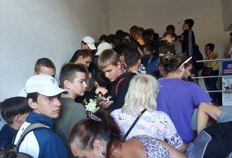 «Ходячие мертвецы» отдыхают. В Гродно открыли секонд-хенд, но было больше похоже на начало зомби-апокалипсиса