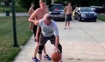 Молодой игрок вызвал дедулю на дуэль по стритболу. Угадайте, у кого приёмчики оказались похитрее