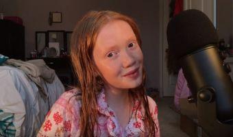 13-летняя ASMR-блогерша так выразительно съела мёд и выпила газировку, что угодила в мемы. Вот это мимика!