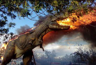 В Башкирии загорелся робот-тираннозавр. Пламя он изрыгал, как настоящий дракон!