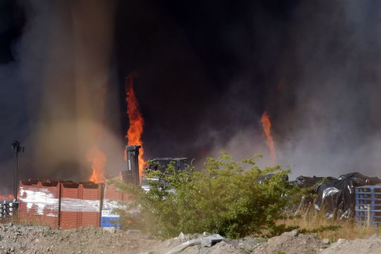 Пламенный торнадо появился вБритании иподнялся внебо