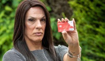 Женщина-трансгендер осталась без денег из-за своего голоса. Как так? Банк решил, что она — мужчина