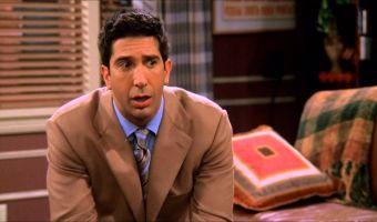 Копы заподозрили Росса из «Друзей» в краже кейса пива. Но фаны сериала не дали Дэвида Швиммера в обиду