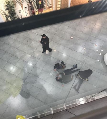 Цепанули Чиксу В Торговом Центре