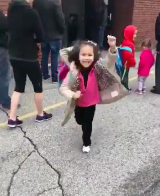 Порно видео маленькой девочкой