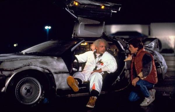 Инженеры примерили халат Дока и собрали свою Делориан. Летать машина пока не умеет, но время уже обогнала