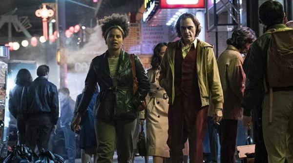 """Что же стало с соседкой Артура Флека? В Сети появился сценарий """"Джокера"""", и он ответил на многие вопрос фанов"""