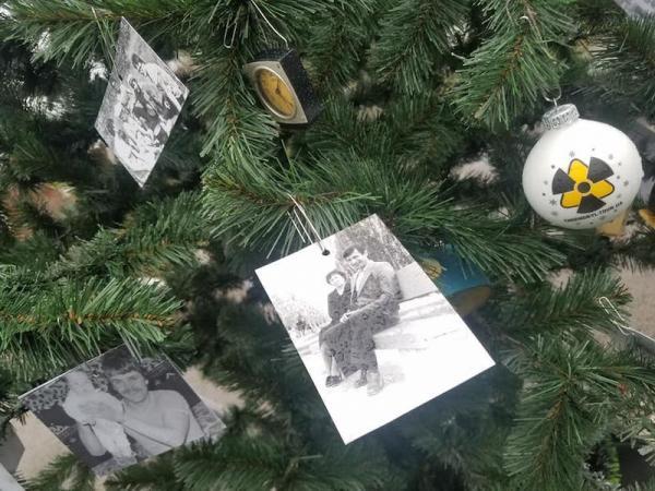 В заброшённой Припяти впервые за 35 лет нарядили ёлку. И это самое постапокалиптичное новогоднее чудо