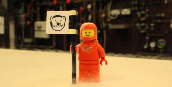 Кубики Lego охладили до сверхнизкой температуры. Но это не прикол, вышедший из под контроля, а наука