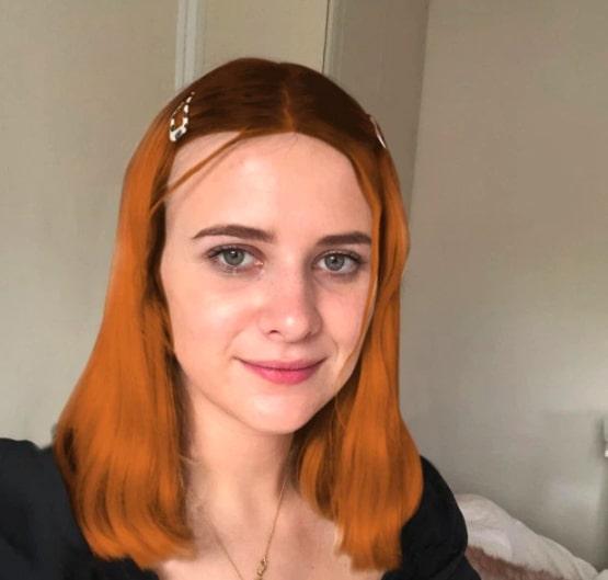 Девушка создала 4 анкеты в Tinder с разным цветом волос.