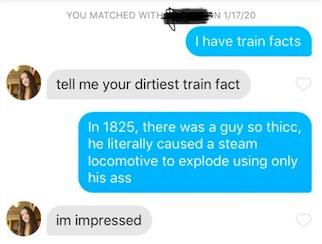 Мужчина просто рассказывает девушкам истории о паровозике, который смог. Удивительно, но они в восторге