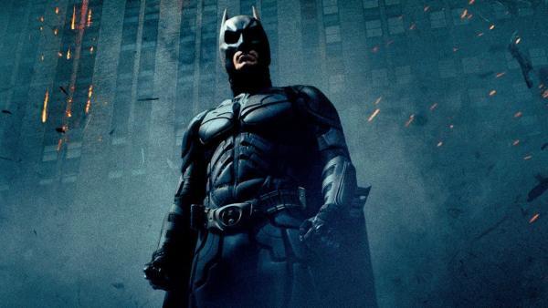 """В Сеть слили первые фото со съёмок """"Бэтмена"""" и сломали фанатов. Ведь у главного героя серьёзный конкурент"""