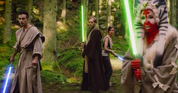 """Киану Ривз попал в трейлер """"Звёздных войн"""" и показал свою силу. Кажется, у ситхов теперь большие проблемы"""
