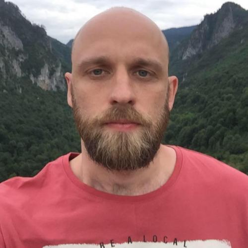 Журналист из Москвы продаёт картину за 140 миллионов рублей. Это его детский рисунок - и он особенный