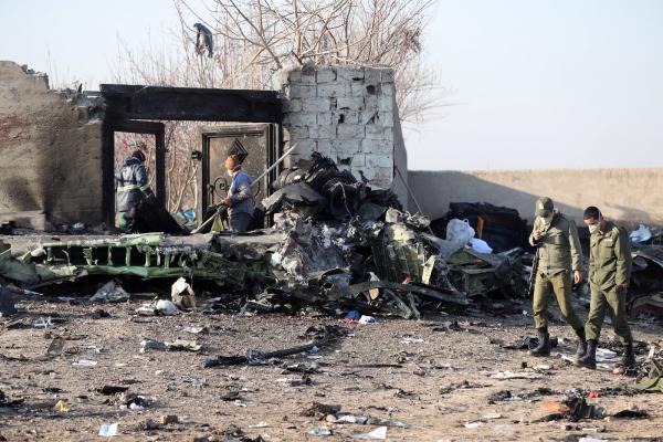 В авиакатастрофе под Тегераном погибло 176 человек. Причина крушения неизвестна, но в нём уже ищут злой умысел