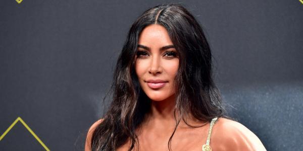 Соцсети высмеяли Ким Кардашьян за пустой холодильник. Но ответка модели заставила их чувствовать себя нищими