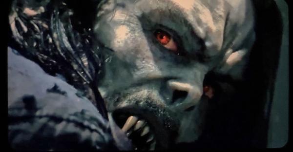 Джаред Лето в образе вампира Морбиуса оскалился в слитом кадре. Это может быть страшно, но зато как канонично