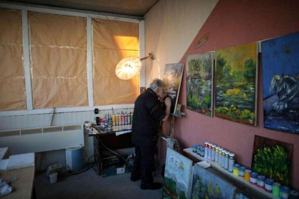 Художник ослеп, но не сдался и нашёл способ продолжить творчество. И его картины похожи на произведения Моне