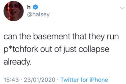 Певица Холзи нанесла удар по офису Pitchfork за критику альбома.