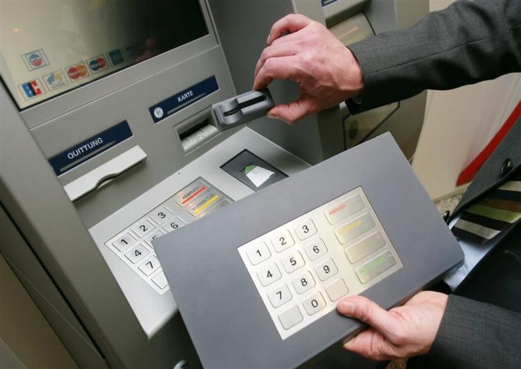 Найден способ взлома банкоматов высшего уровня. Но, похоже, в некоторых странах с ним уже научились бороться