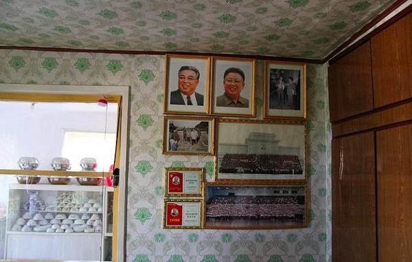 Мама спасла из пожара детей и угодила в тюрьму. Ведь в Северной Корее есть есть вещи поважнее жизней малышей