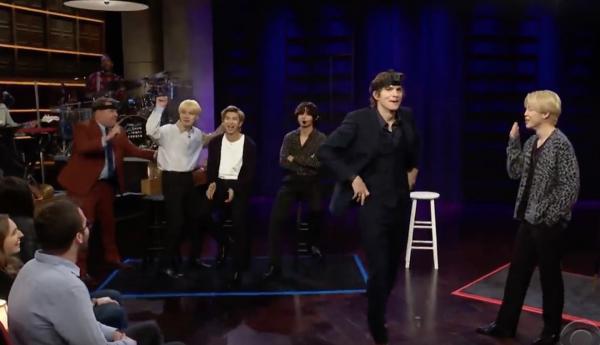BTS сыграли в прятки с Эштоном Катчером на шоу Джеймса Кордена. И это легендарное комбо милоты
