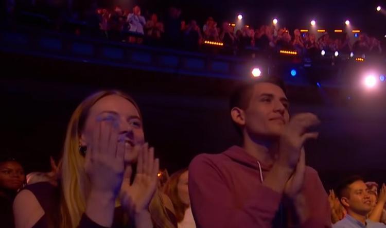 Участник шоу талантов одновременно исполнил партии оперного певца и Селин Дион. И удостоился стоячих оваций