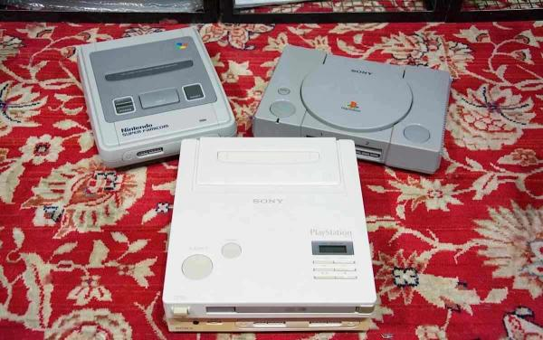 Парень нашёл на чердаке Nintendo PlayStation. Нет, это не опечатка - консоль редкая, а счастливец теперь богат