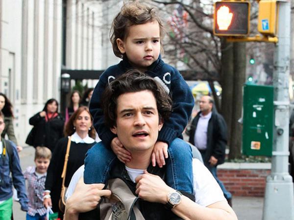 Орландо Блум сделал тату с именем сына, написанным Азбукой Морзе. Но упс - смысл изменила всего одна точка