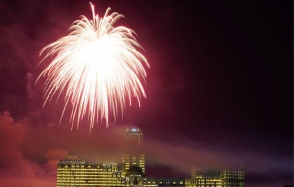 В США запустили самый большой фейерверк в мире. Видео с ним - будто хроника конца света