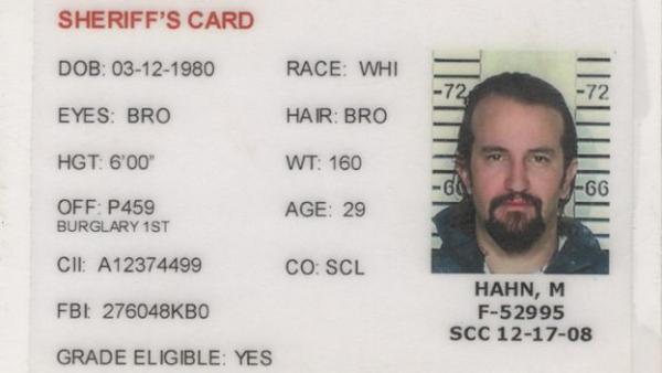 Взломщик украл сейф, а его содержимое вскрыло другое преступление. И это дало мужчине шанс на новую жизнь