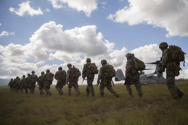 Военным приказали быть незаметными, и те перестарались. Так, что их сочли пропавшими и начали искать свои же