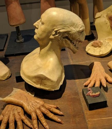 Зрители увидели модель головы Волдеморта-Квиррела и поразились. Кажется, волшебник мог быть куда страшнее