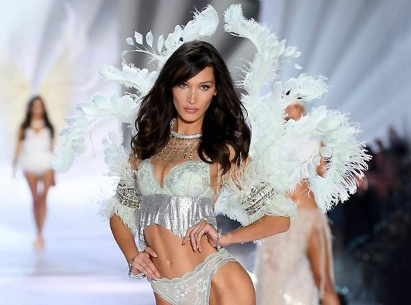 Ангелы Victoria's Secret написали гневное письмо. Они требуют остановить абьюз и домогательства в компании