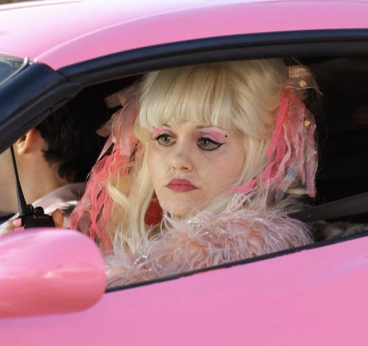 """Фиона из """"Бесстыжих"""" преобразилась для новой роли. Теперь она гламурная бабушка, а её фанаты не верят глазам"""