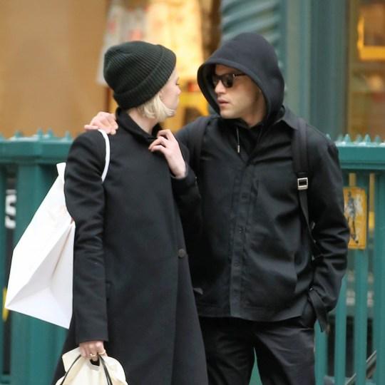Рами Малек попал на фото с девушкой, которую скрывал от СМИ.