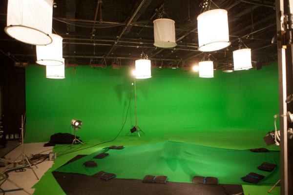 """Создатели """"Мандалорца"""" избавились от """"зеленого экрана"""". Ведь у них есть технология, достойная злодея из Marvel"""