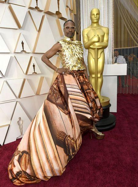 """Билли Портер на """"Оскаре"""" стал королём эпатажа и мемом, но люди спорят. Ведь многие уверены: актёр переборщил"""