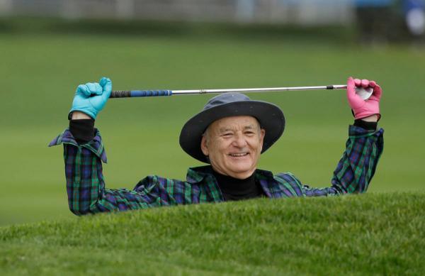 Билл Мюррей сыграл в гольф и привёл фанов в восторг. Но не спортивными скиллами, а умением опрокидывать текилу