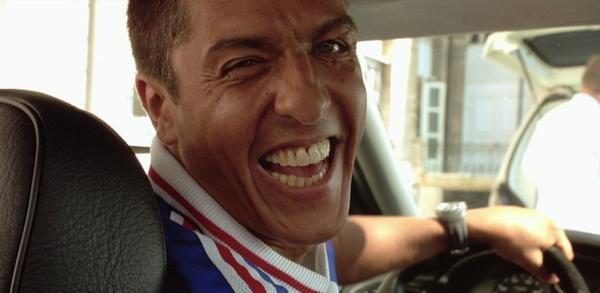 Водителю такси поцарапали машину, и он решить отомстить обидчику. Правда, для этого пришлось похитить людей