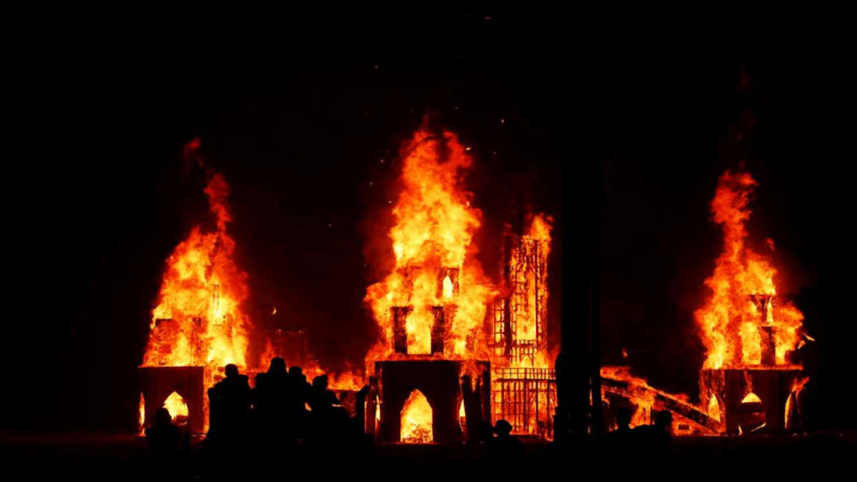 Парень устроил треш и угар ради респекта и поджёг 3 церкви. Вживую блэк-метал он услышит очень нескоро