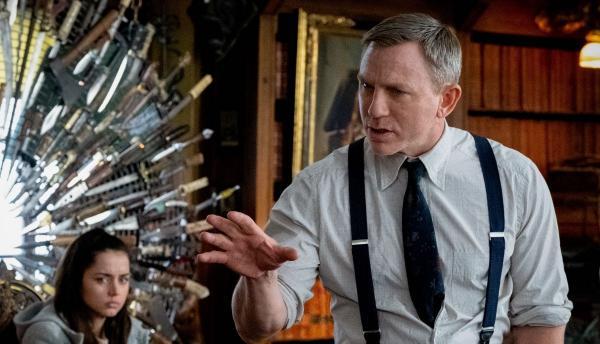 Режиссёр Райан Джонсон поделился лайфхаком, как найти злодея в фильме. Поможет слишком строгая политика Apple