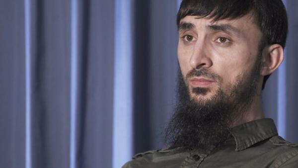 Тумсо Абдурахманов отбился от нападающего с молотком. Год назад блогеру грозил местью глава парламента Чечни