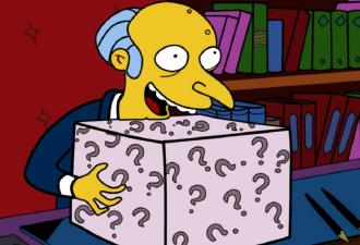 Писатель пытался купить коробки под новую книгу. Но Amazon прислал мужчине сюжет для ремейка
