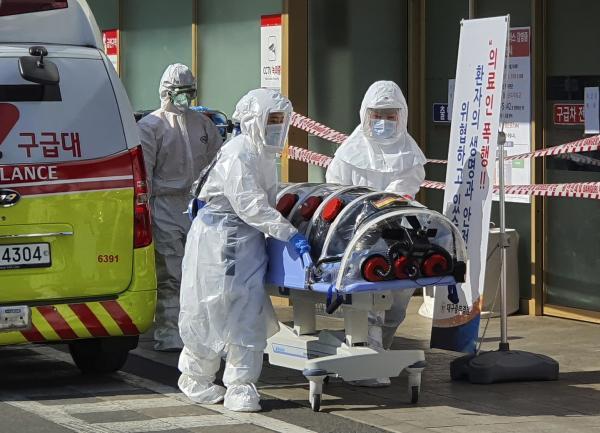 Секта из Южной Кореи стала идеальным домом для коронавируса. От него не помогает даже вера в нового Иисуса