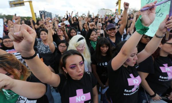 Мексиканка в твиттере рассказала страшную правду о протестах