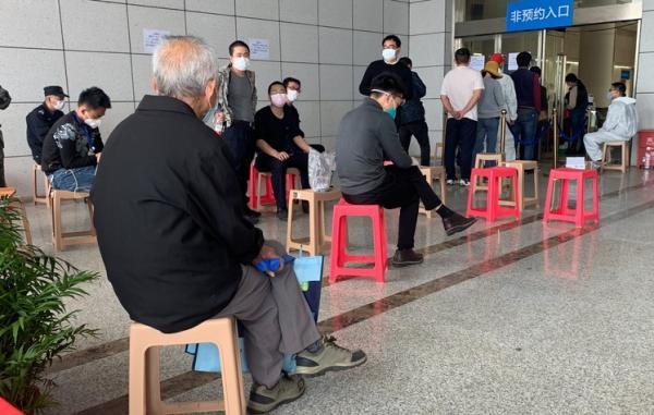 В Китае засомневались в статистике смертей от COVID-19. Это выдали урны с прахом - десятки тысяч против 3186