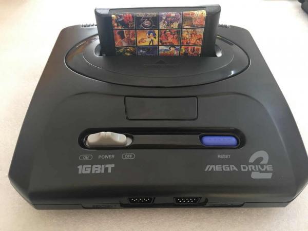 Парень нашёл приставку Sega и поймал удачу за хвост. Она оказалась такой редкой (и дорогой), что тут не до игр