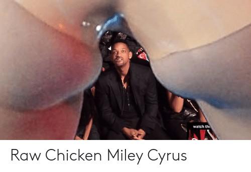 Майли Сайрус в 2013-м высмеяли из-за её фигуры. И певица пережила это тяжелее, чем может казаться