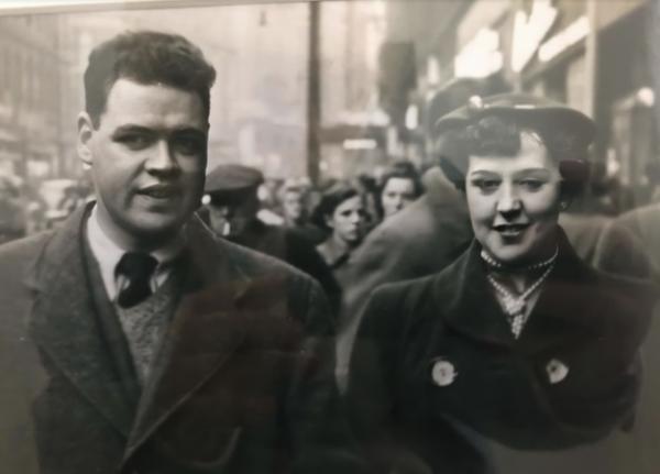 Девушка нашла телеграмму 1954 года, а потом узнала её историю от бабушки. И там - любовь длиной в 60 лет